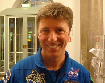 Astronauta que falou com o Papa diz que viu a beleza de Deus no espaço