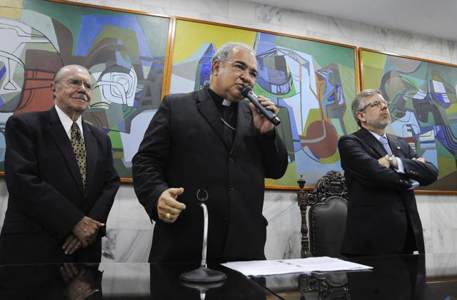 Arcebispo do Rio é escolhido presidente do Conselho de Comunicação Social