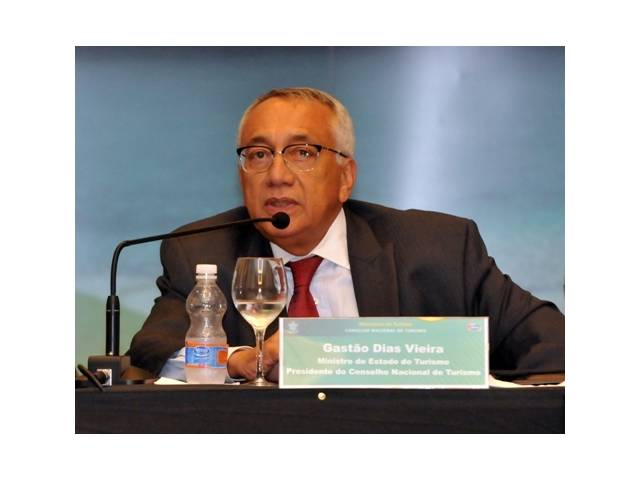 Ministro do Turismo fala sobre a preparação do Brasil para a JMJ 2013