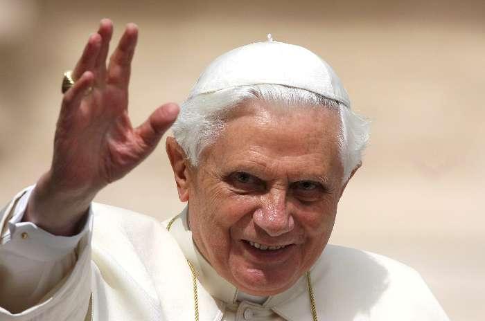 Bento XVI: O homem se realiza plenamente quando faz a vontade de Deus