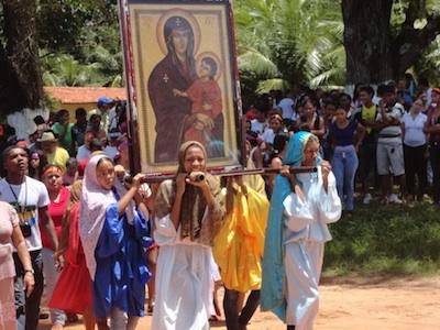 Cruz e Ícone no nordeste do Maranhão na Semana Santa