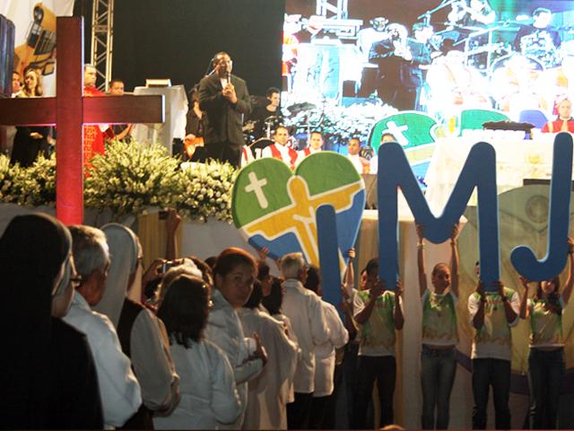 Bote Fé reúne 50 mil em Cuiabá
