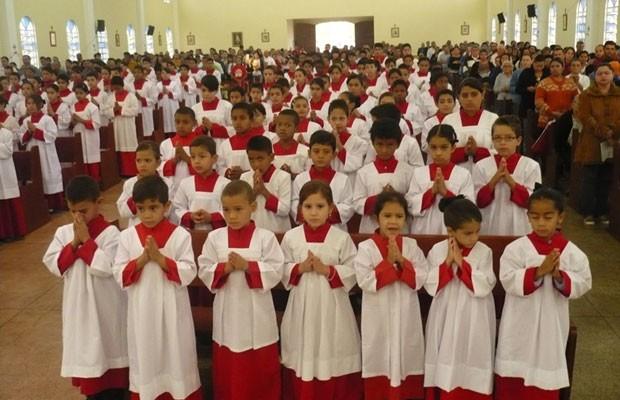 Paróquia em Goiás tem quase 700 coroinhas
