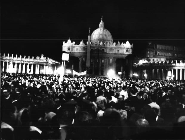 Em data histórica, Bento XVI vai lembrar João XXIII
