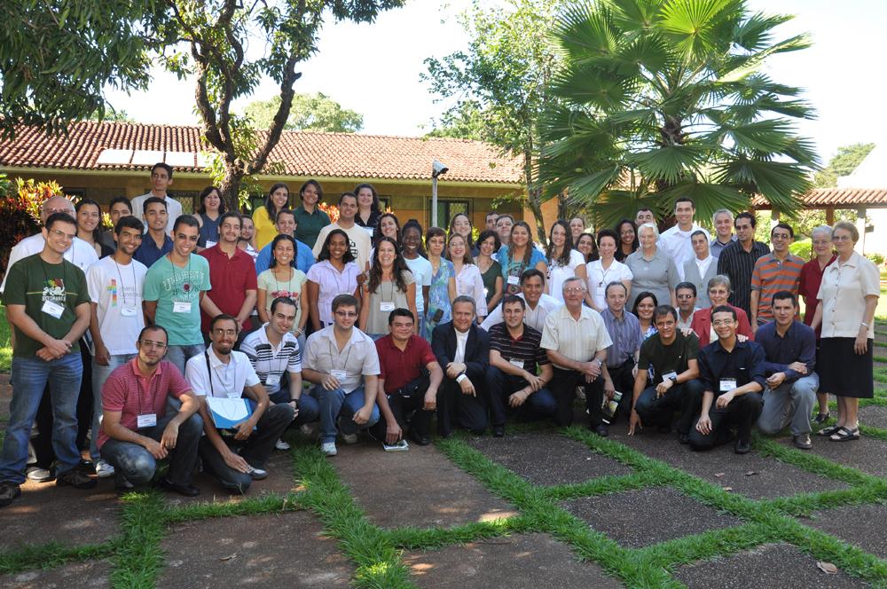 Dom Dimas participa do encerramento do Encontro de Jornalistas Católicos promovido pela CNBB