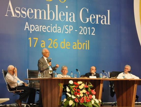 Bispos participam de reflexão sobre estado laico