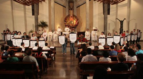Cardeal Scherer celebra missa de abertura do 1º Encontro Nacional dos Movimentos Juvenis