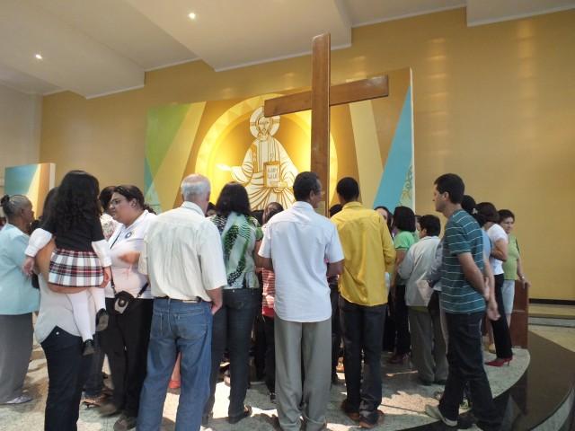 Símbolos da Jornada visitam Diocese de Guanhães