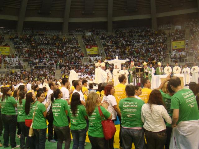 """Papa envia mensagem a jovens que participam de """"Preparai o Caminho"""""""