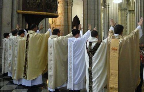 Você já pensou em ser padre?