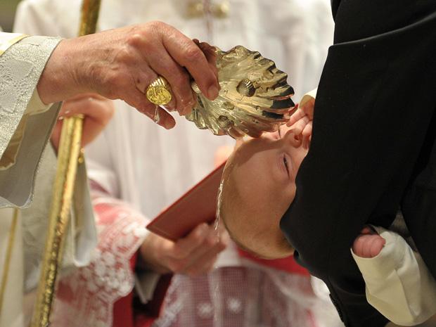 34 mil fiéis  se unem por dia à Igreja Católica, destaca estudo