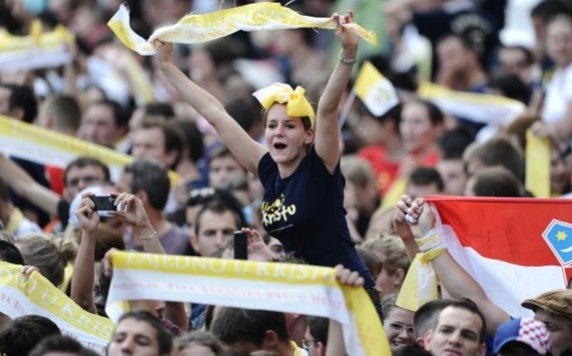 'Cristo é o amigo que nunca decepciona', diz Papa aos jovens croatas