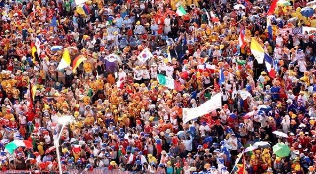 Na abertura da JMJ, Madri recebe a Geração Bento XVI