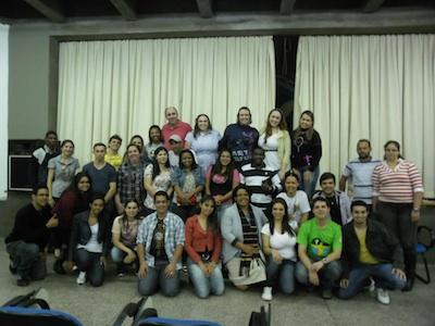 Jovens de Umuarama (PR) participam de encontro em preparação à JMJ