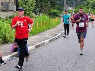 Dom Odilo Scherer participa da corrida Bote Fé na Vida em São Paulo