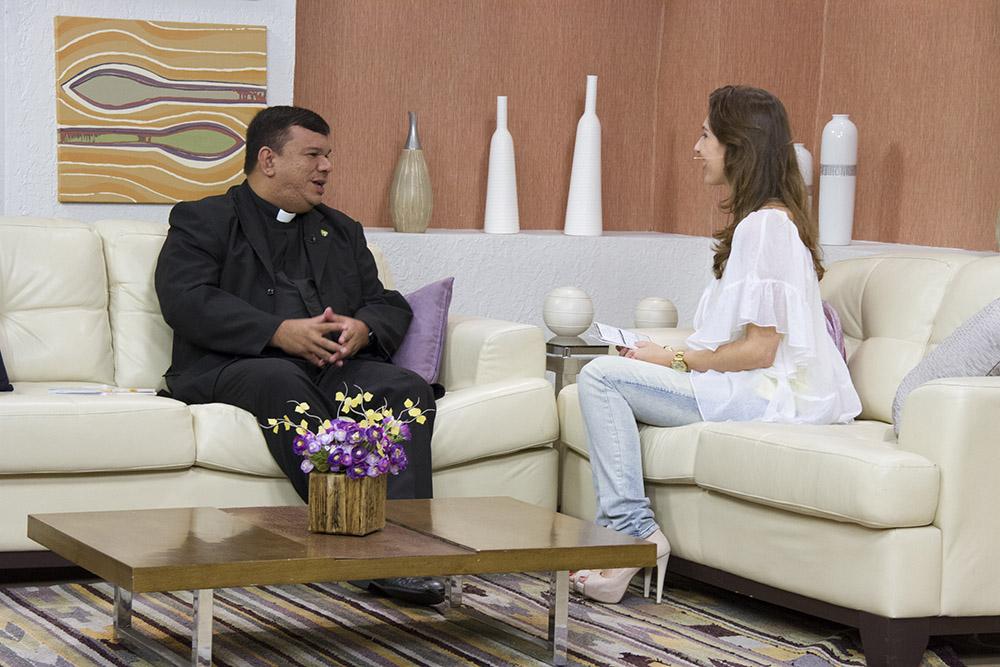 Padre Sávio participa de programas na Rede Século 21