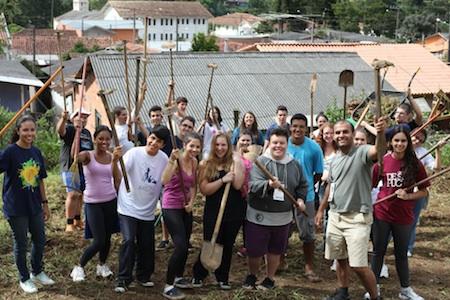 Jovens maristas fazem semana de missão solidária