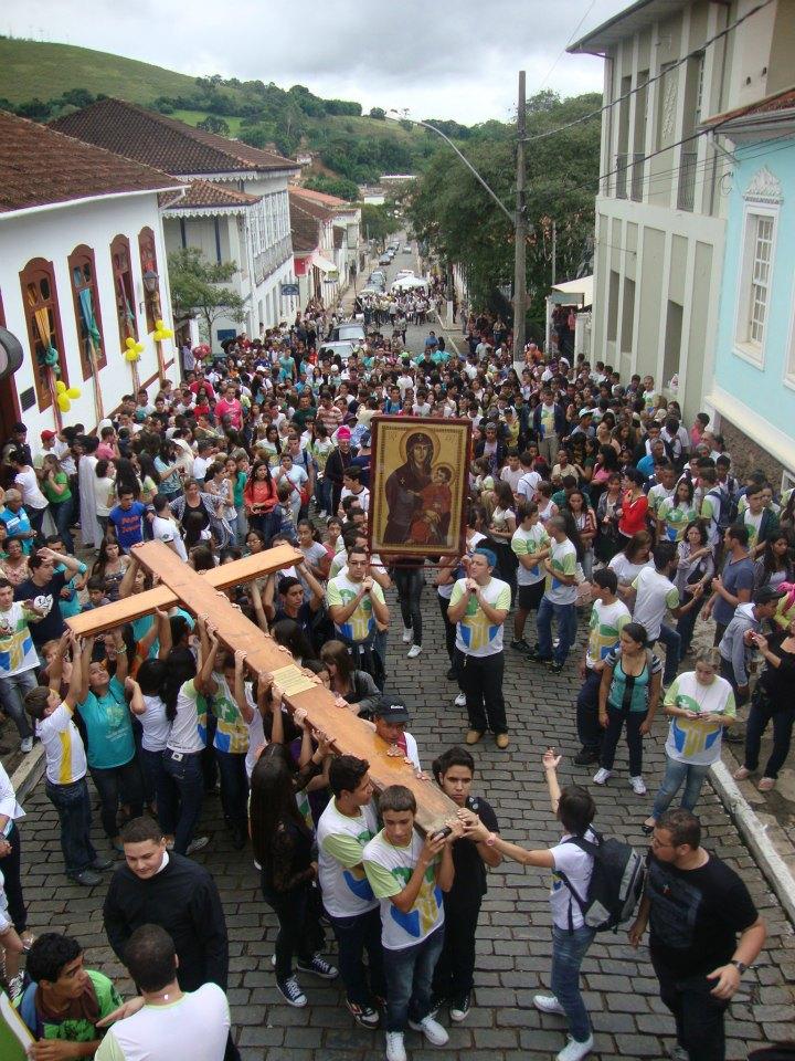 Diocese de Campanha acolhe a Cruz e o Ícone de Nossa Senhora