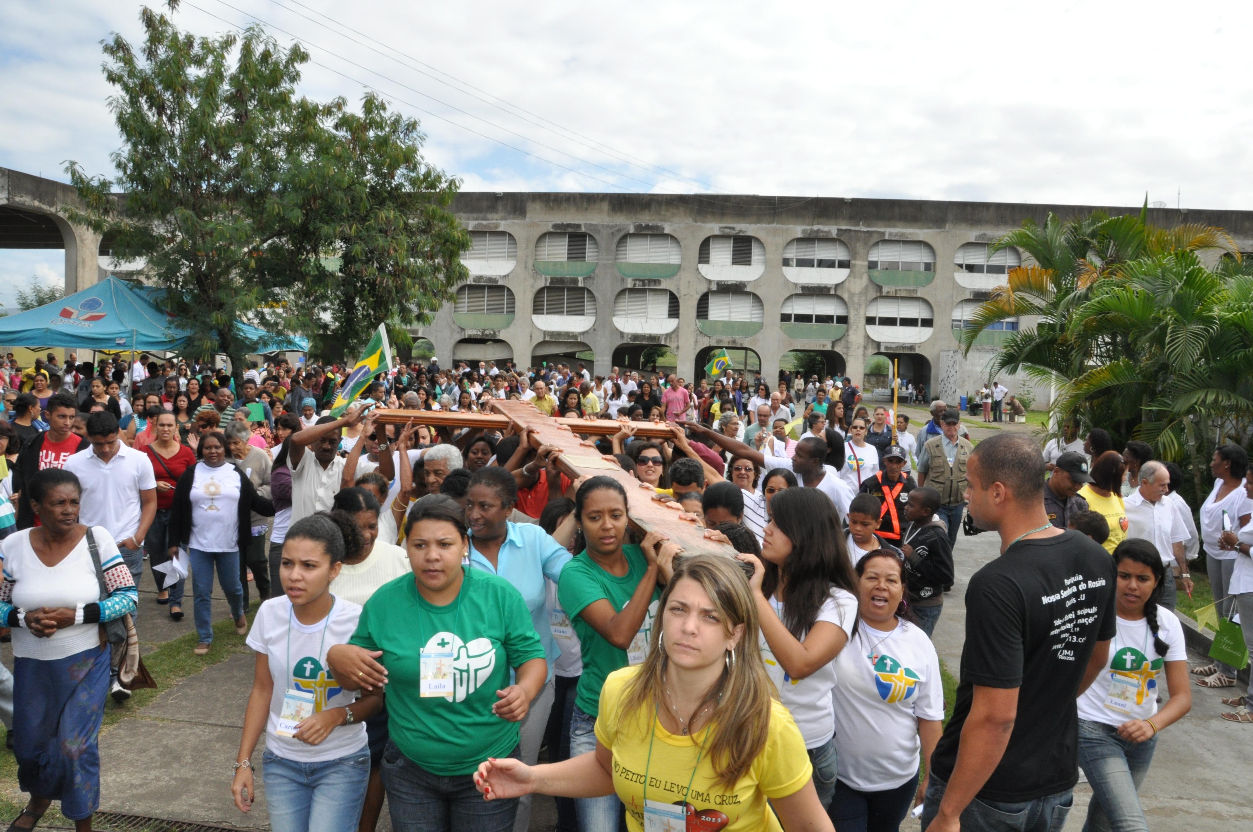 Quatis e Porto Real, no estado do Rio, recebem símbolos da JMJ