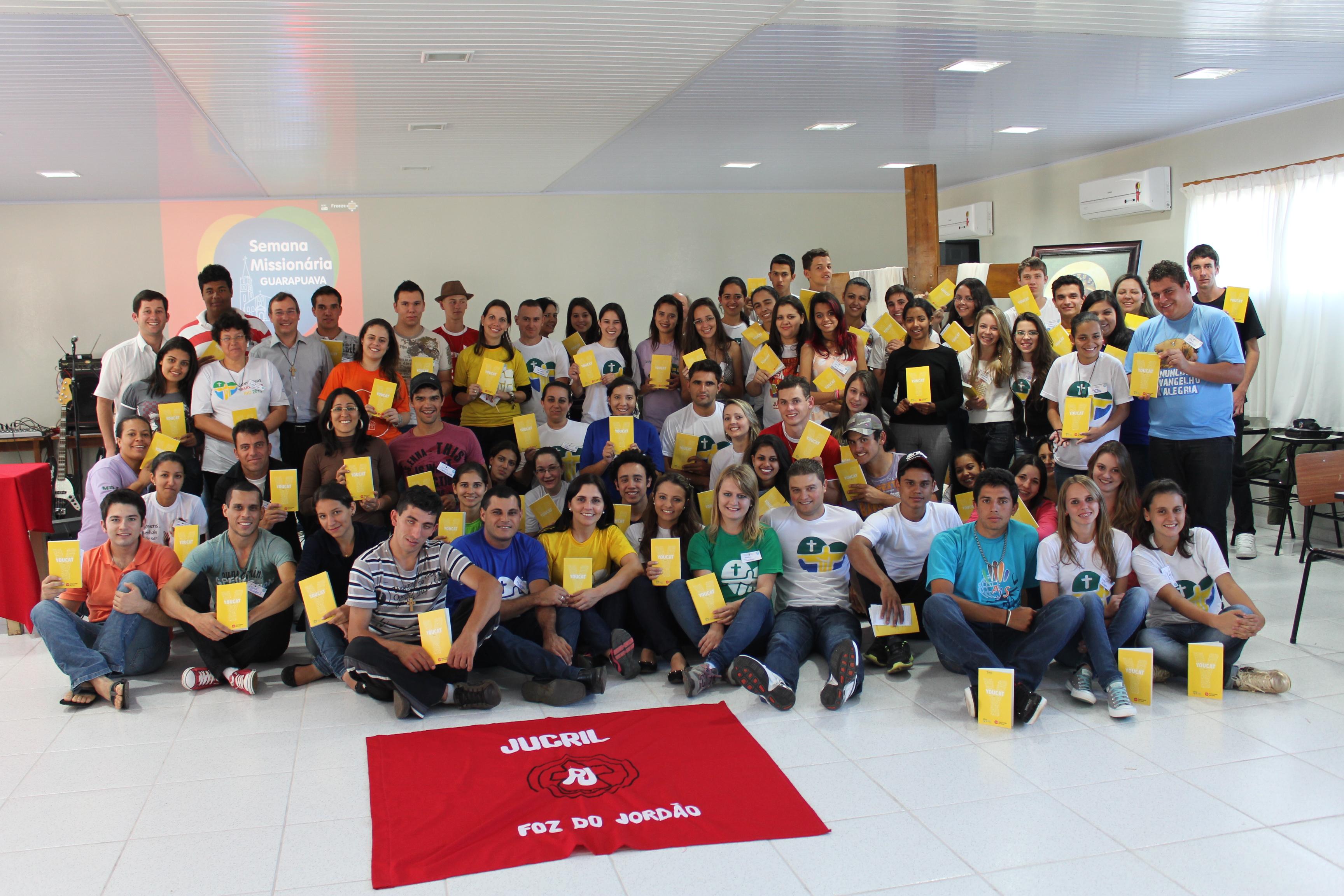 Jovens da Diocese de Guarapuava se reúnem para preparar a Semana Missionária