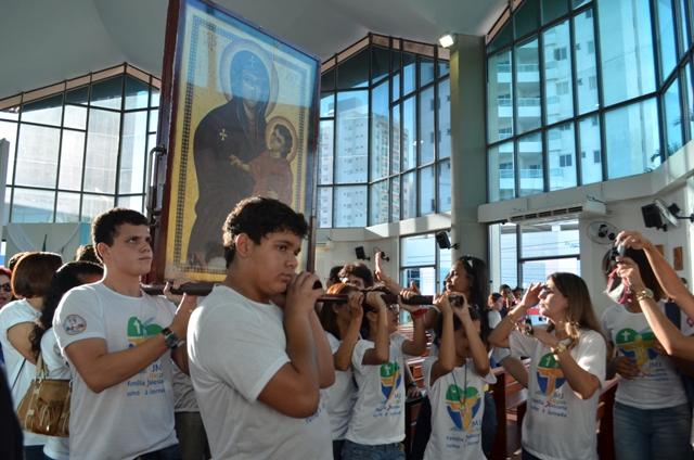 Colégio Salesiano acolhe símbolos da JMJ em Campos dos Goytacazes