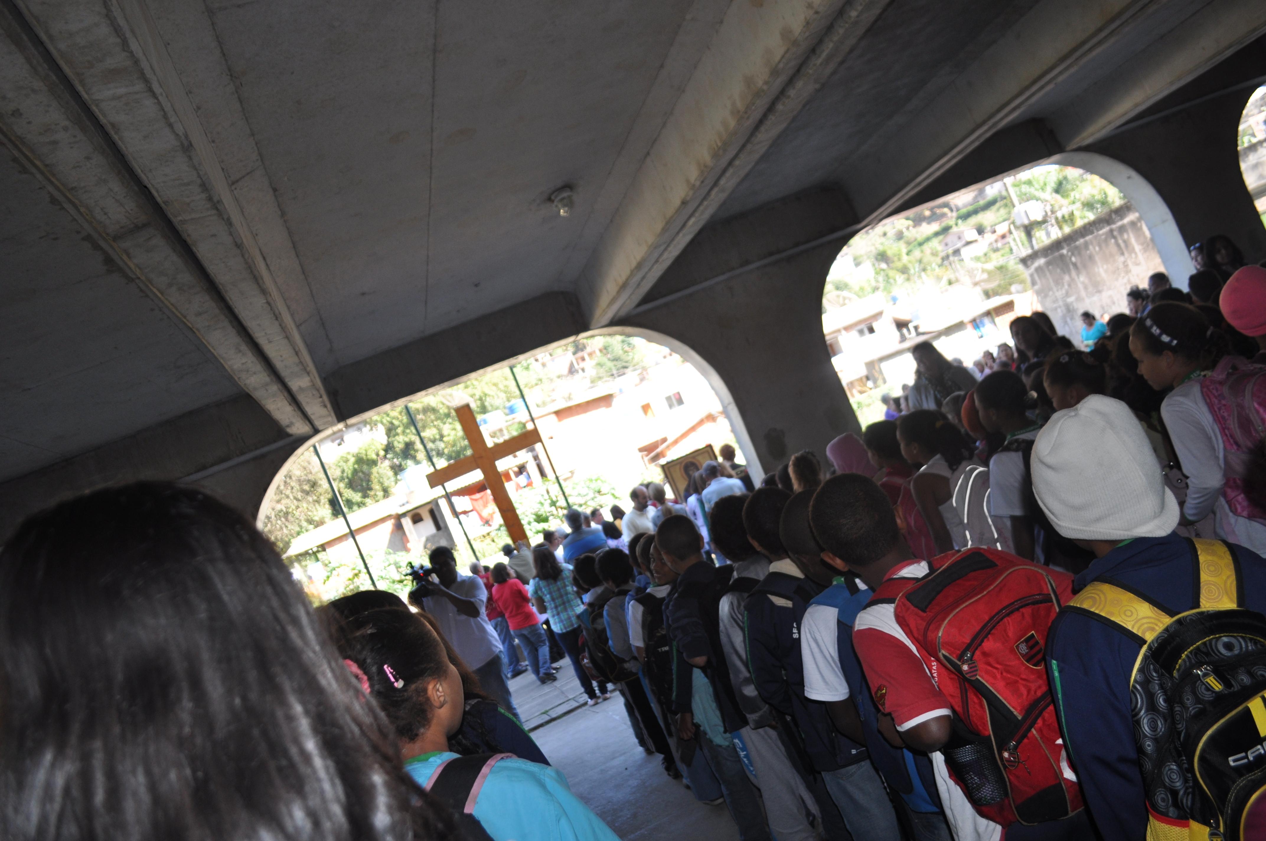 Peruanos acompanham peregrinação dos Símbolos da JMJ em Teresópolis