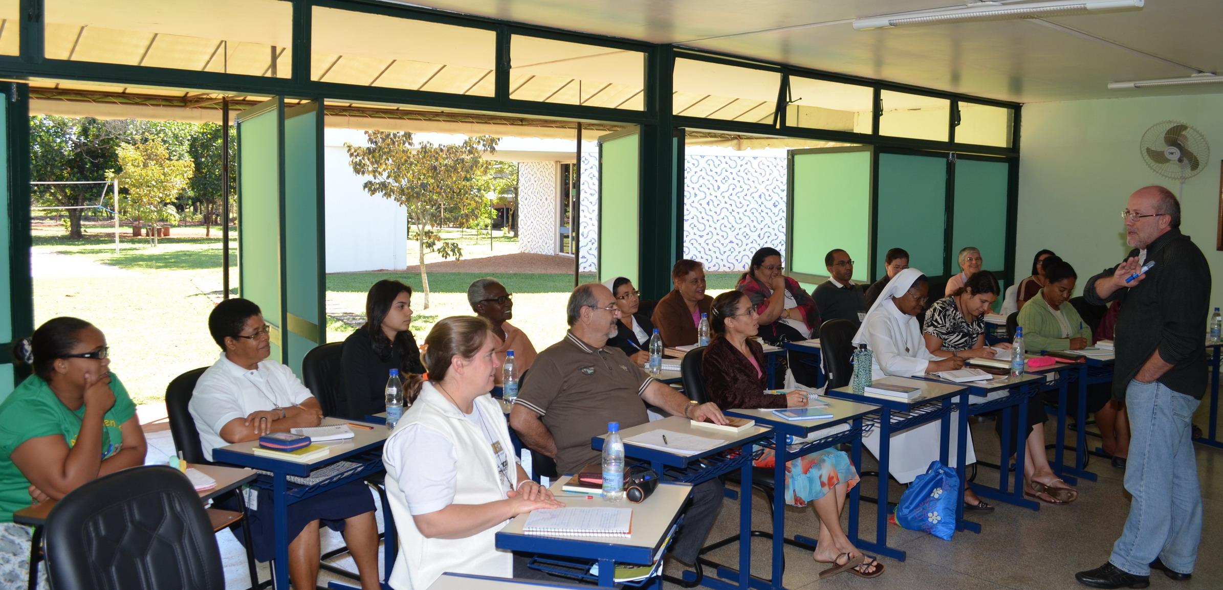 Formação missionária com enfoque na Amazônia debate dimensão teológica da Missão