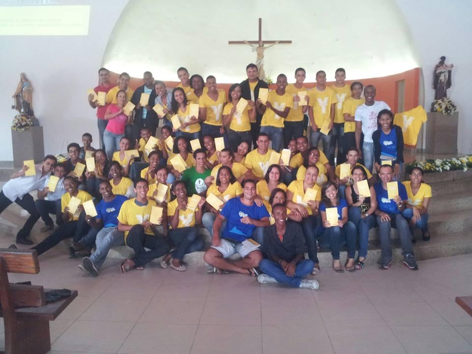 Jovens da Diocese de Amargosa se preparam para a JMJ estudando o Youcat