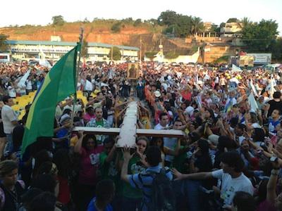 Símbolos percorrem Diocese de Nova Iguaçu (RJ)