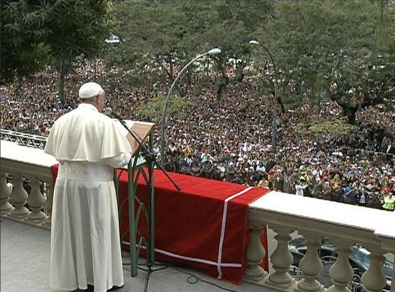 Discurso do Papa e Angelus Domini no Palácio São Joaquim