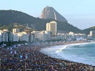 Mais de 3 milhões de jovens em Copacabana na Vigília de Oração