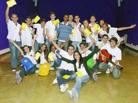 Alunos criam grupo de oração em escola estadual no Rio de Janeiro