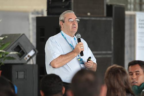 Bispo reflete documentos e últimos eventos da Igreja que marcam evangelização da juventude