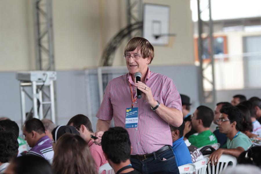 Especialista apresenta os quatro pilares da evangelização da juventude