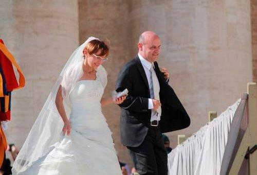 Mais de 20 mil namorados e noivos estarão com o Papa nesta sexta