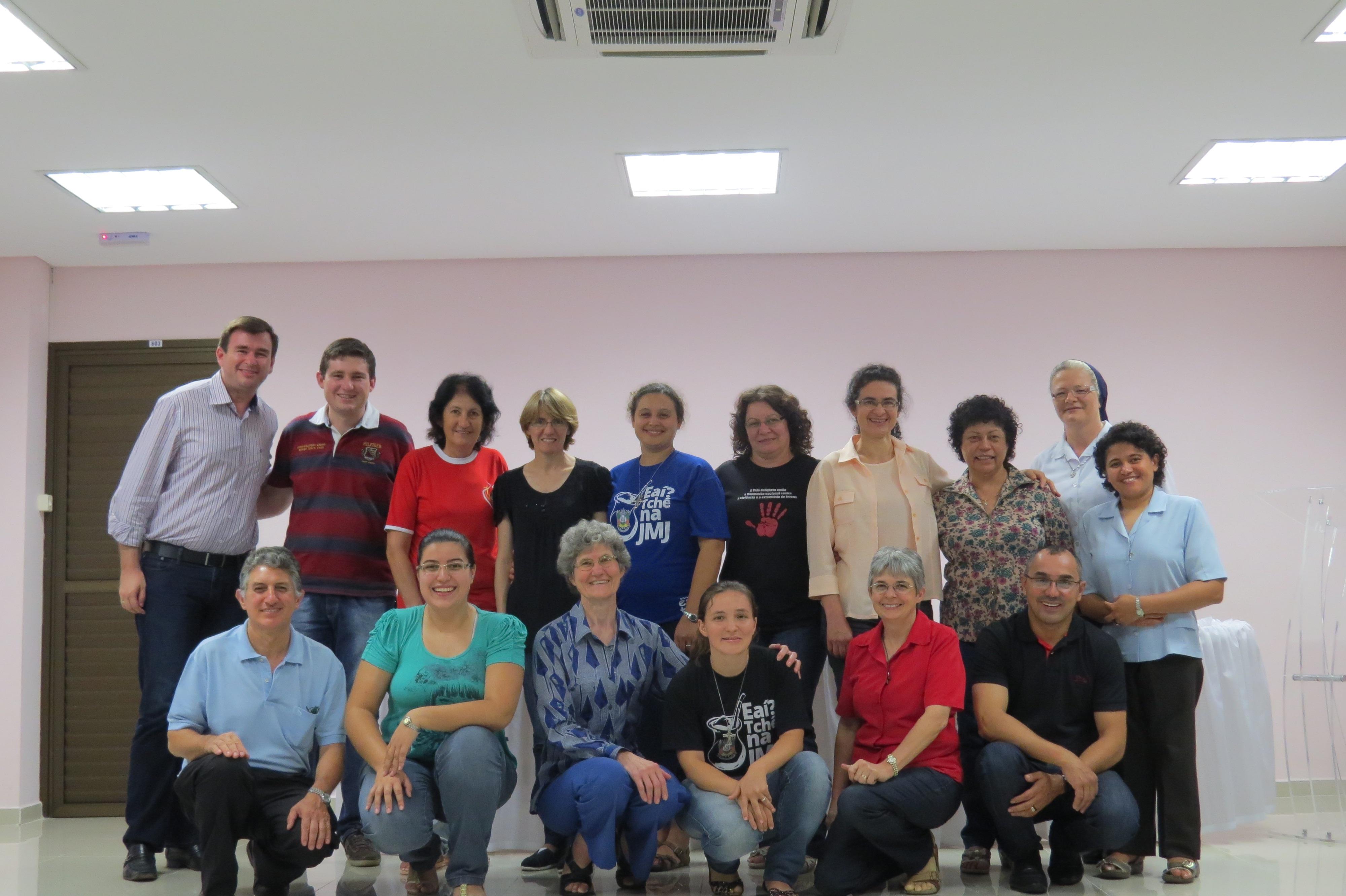Curso de capacitação para acompanhantes de adolescentes e jovens realiza primeiro seminário presencial
