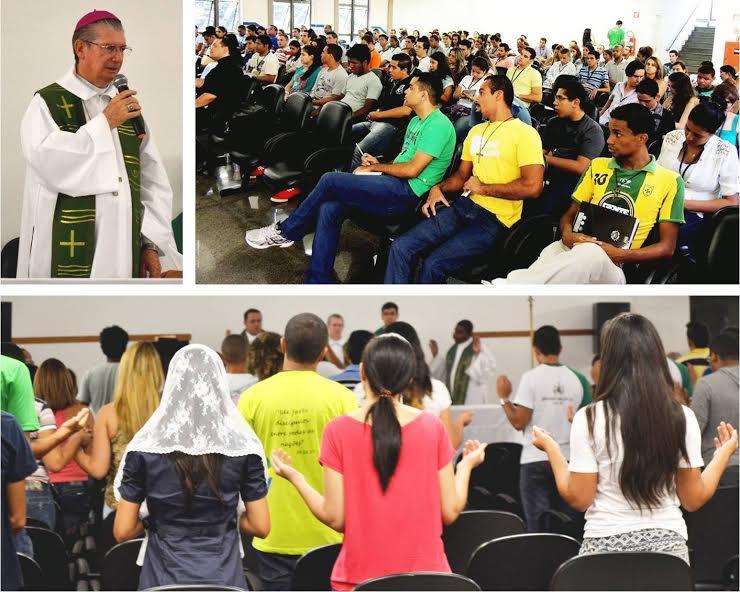 """""""Ser santo é amar"""", afirma bispo de Osasco em encontro do Setor Juventude"""