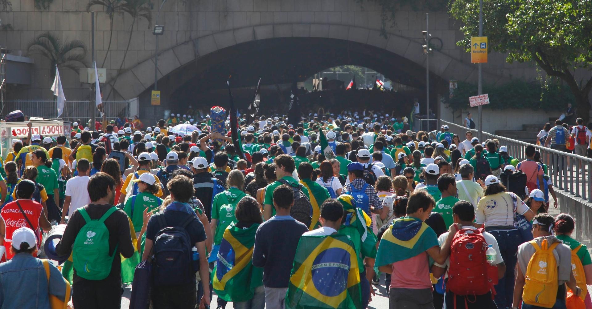 """Ao Comitê organizador da JMJ, Papa repete: """"Os brasileiros roubaram o meu coração"""""""