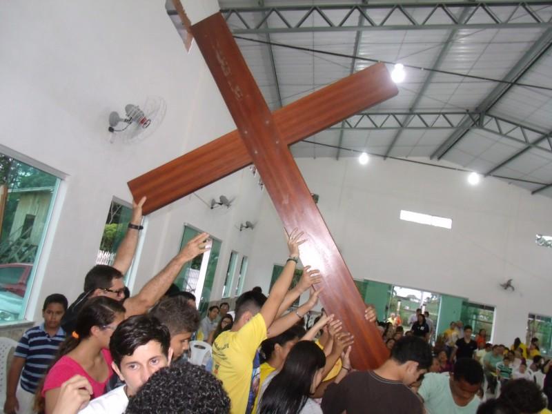 Juventude de Belém acolhe réplica da Cruz da JMJ em igreja dedicada a JPII