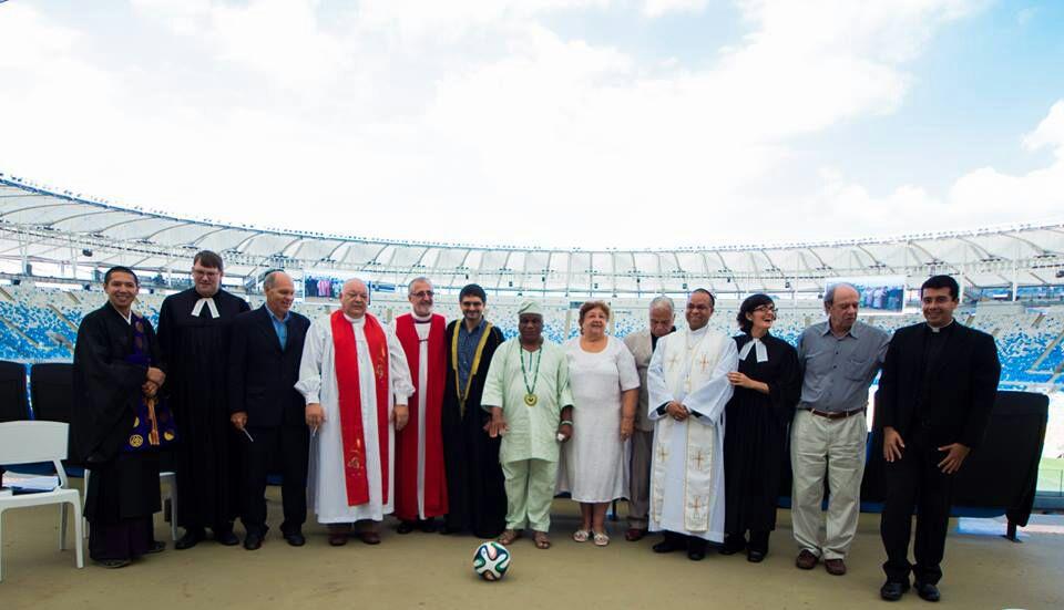 Campanha Copa da Paz é lançada com evento interreligioso no Maracanã