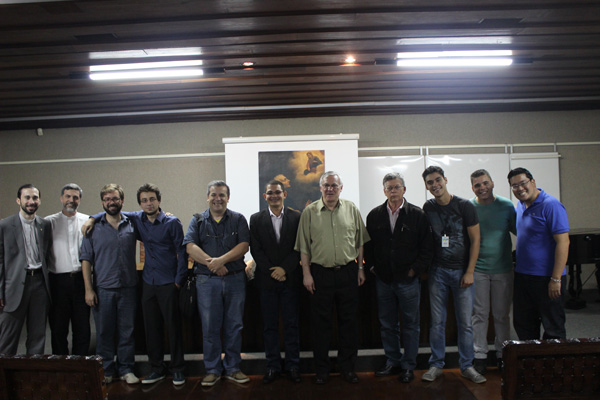 Jovens promovem café teológico em São Paulo
