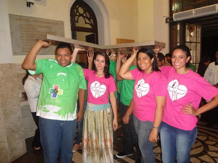 Juventude de Cuiabá celebra Missa em ação de graças pelo #1anoJMJRio