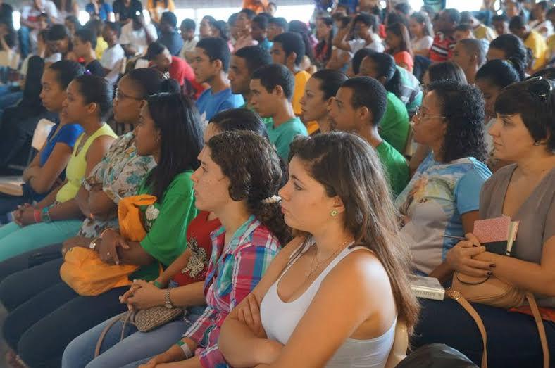 Jornada de Espiritualidade reúne juventude de Salvador e lança preparação para  JMJ de 2016