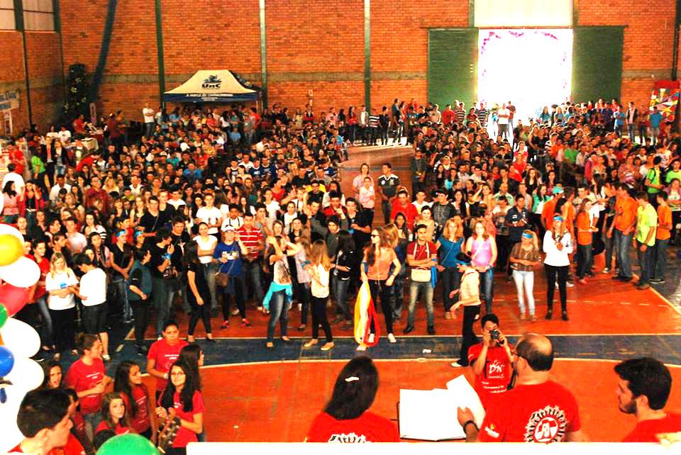 """DNJ de Canoinhas/SC grita: """"Chega de violência e extermínio de jovens!"""""""