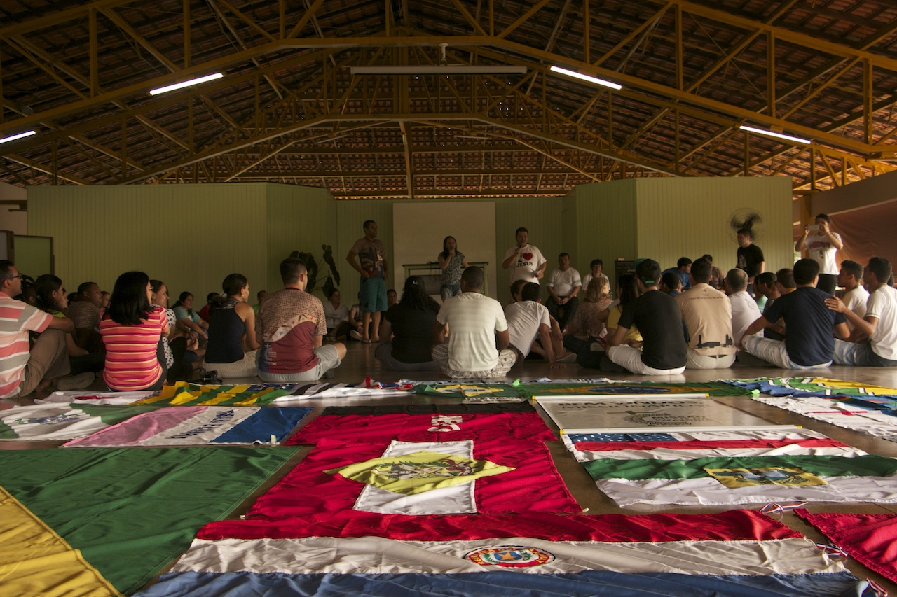 Jovens aterrizam na Amazônia para missões