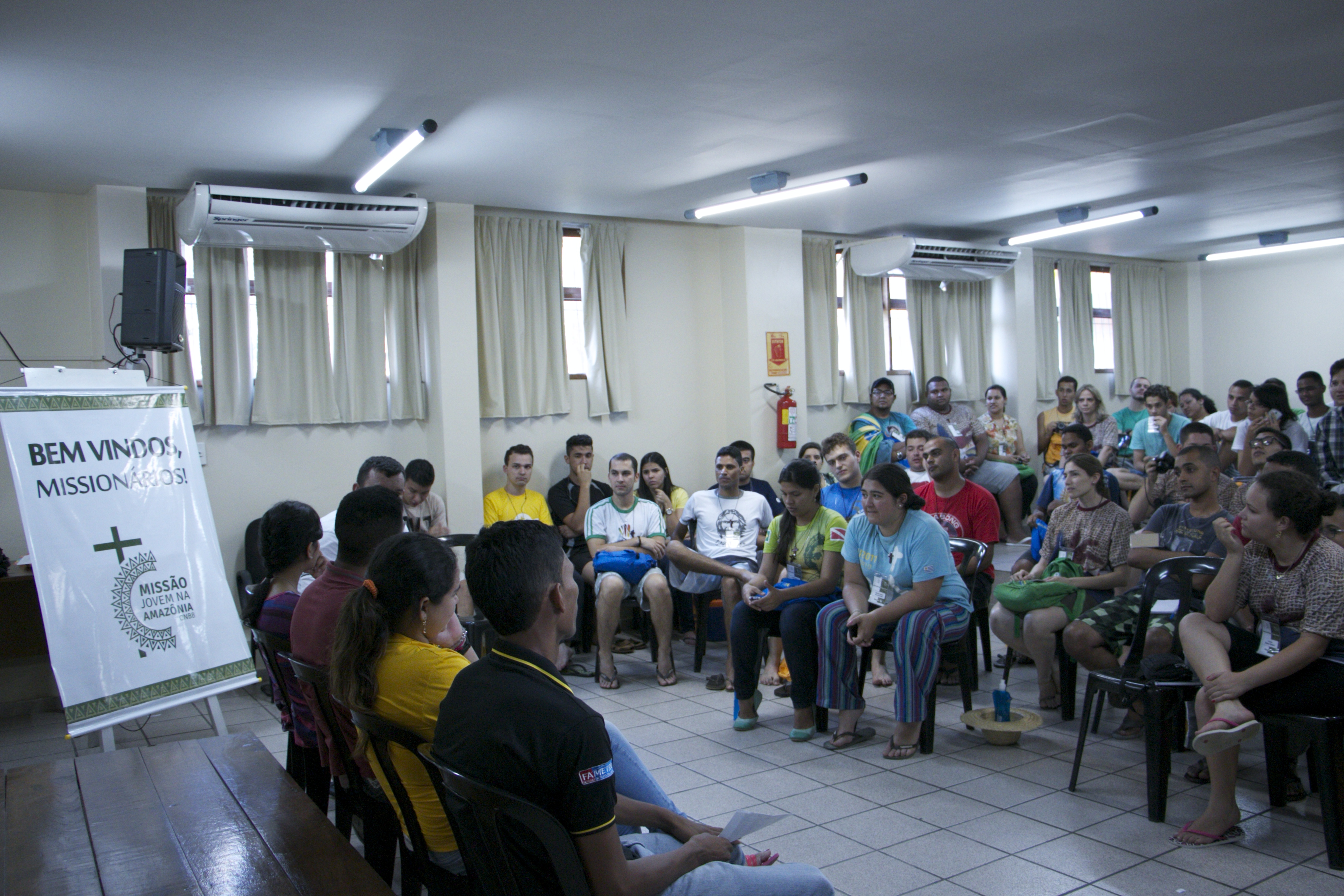 Mesa redonda apresenta realidade dos jovens da Amazônia