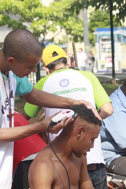 Jovens fazem ação na Cracolândia em favor a paz