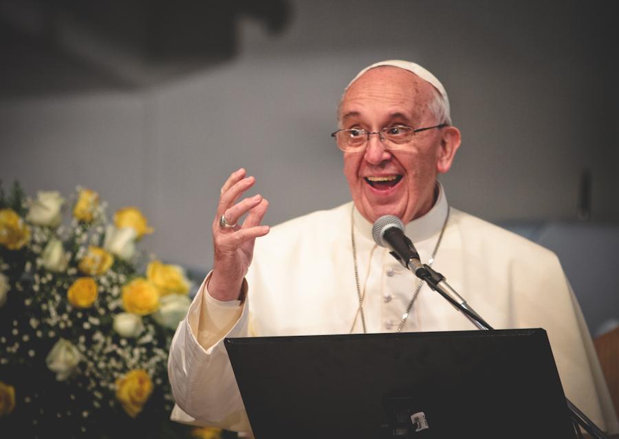 Papa Francisco divulga mensagem para o 49º Dia Mundial das Comunicações