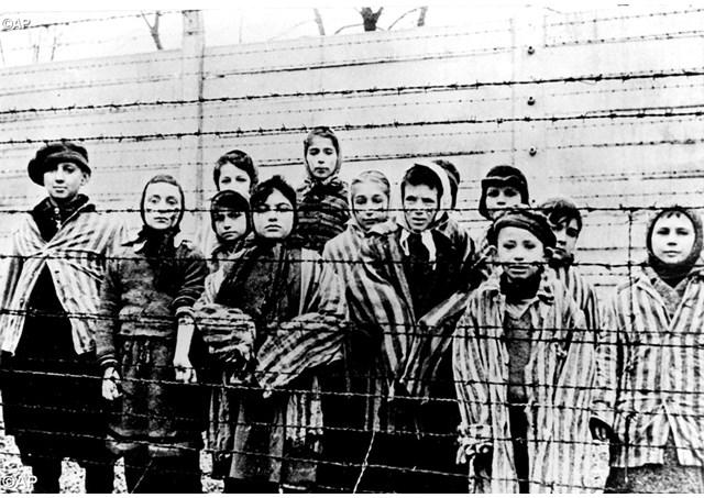 Documento católico-evangélico recorda 70 anos de Auschwitz