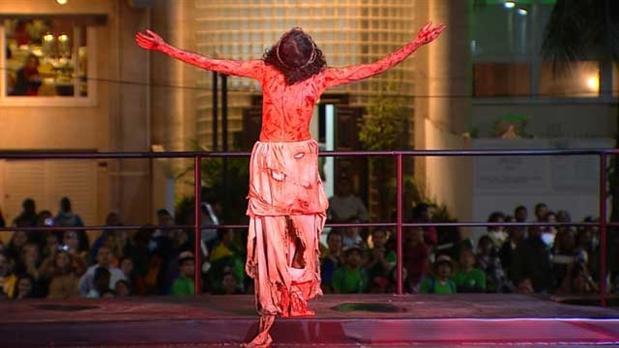 Jovens promovem atividades na Semana Santa, em todo país